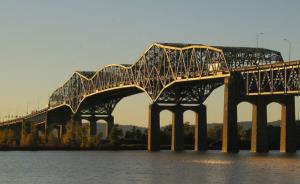ISS protects Champlain Bridge with 24/7 monitoring