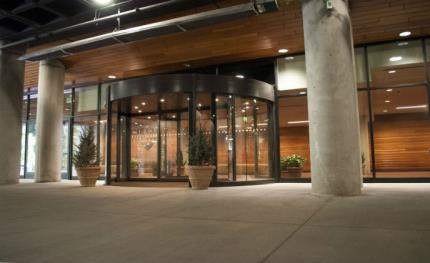 Snowbird ski and summer resort delighted with Boon Edam revolving door