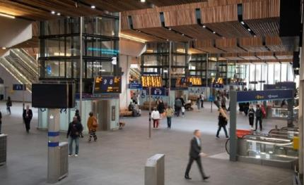 Intelligent IP cameras help to monitor the flow of people at London Bridge Station