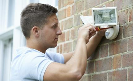 How traditional alarm manufacturers see the influx of DIY