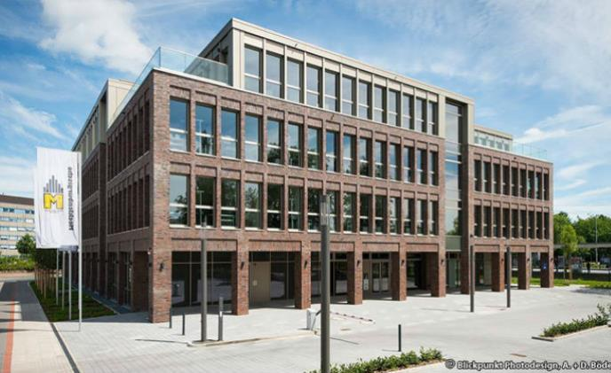 Building for insurance company in Hanover relies on GEUTEBRUECK