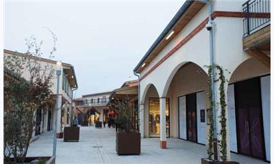French Outlet Shops Protected by Axis Networks Cameras