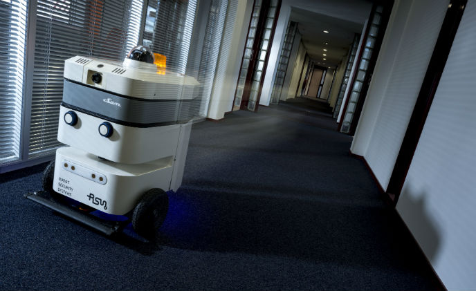 Guards, step aside! This robot sniffs, detects and alerts