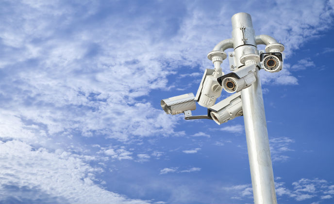 EnGenius WiFi surveillance system transmits streaming video at high speeds over long distancess