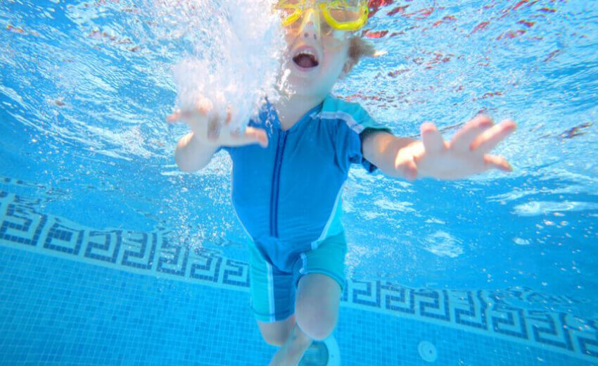 MOBOTIX IoT cameras help protect swimmers from drowning