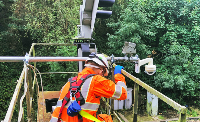 Wisenet cameras help keep rail improvements on track