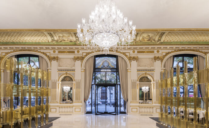 Historic Paris hotel revitalizes entry with Boon Edam revolving doors