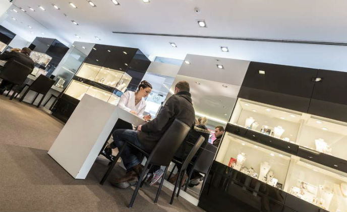Mobotix system safeguards high-end jewelry store