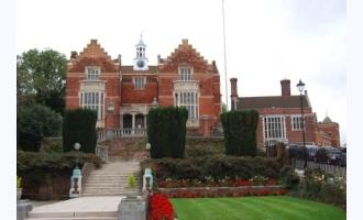 Historical UK School Selects Modern Network Video Solution