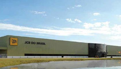 Construction equipment manufacturer in Brazil monitors 50-acre factory with HD eyes