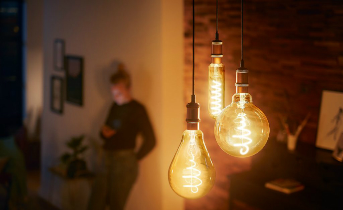 Philips Lighting launches two-range dimming LED bulbs with filament