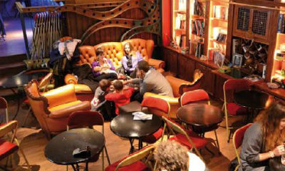 Paris 'geeks' bar streamlines operations and heightens security with IP video surveillance
