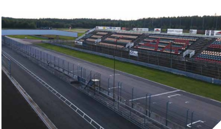 Safer driving on Scandinavian racetrack with Axis