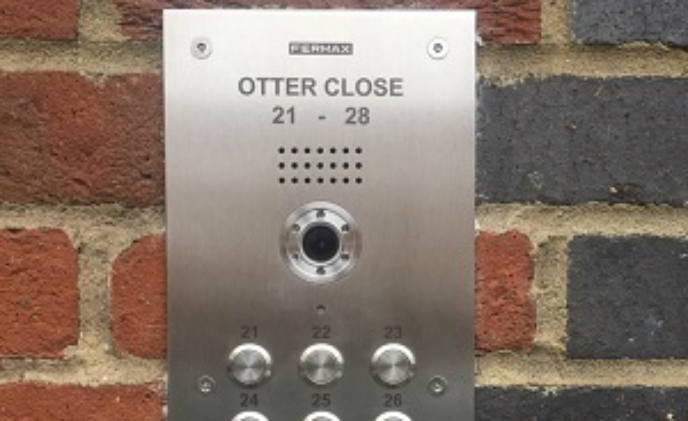 Otter Close residential complex in London installs Fermax video monitor