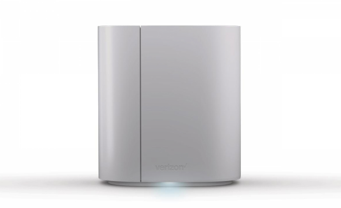 Verizon SmartHub serves as 4G LTE router and smart home control hub