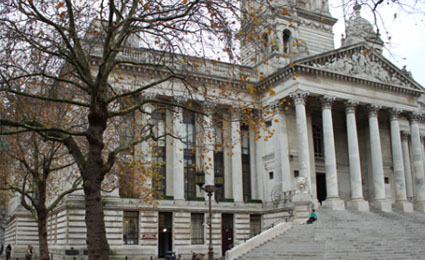 Grundig protects Portsmouth Guildhall in UK